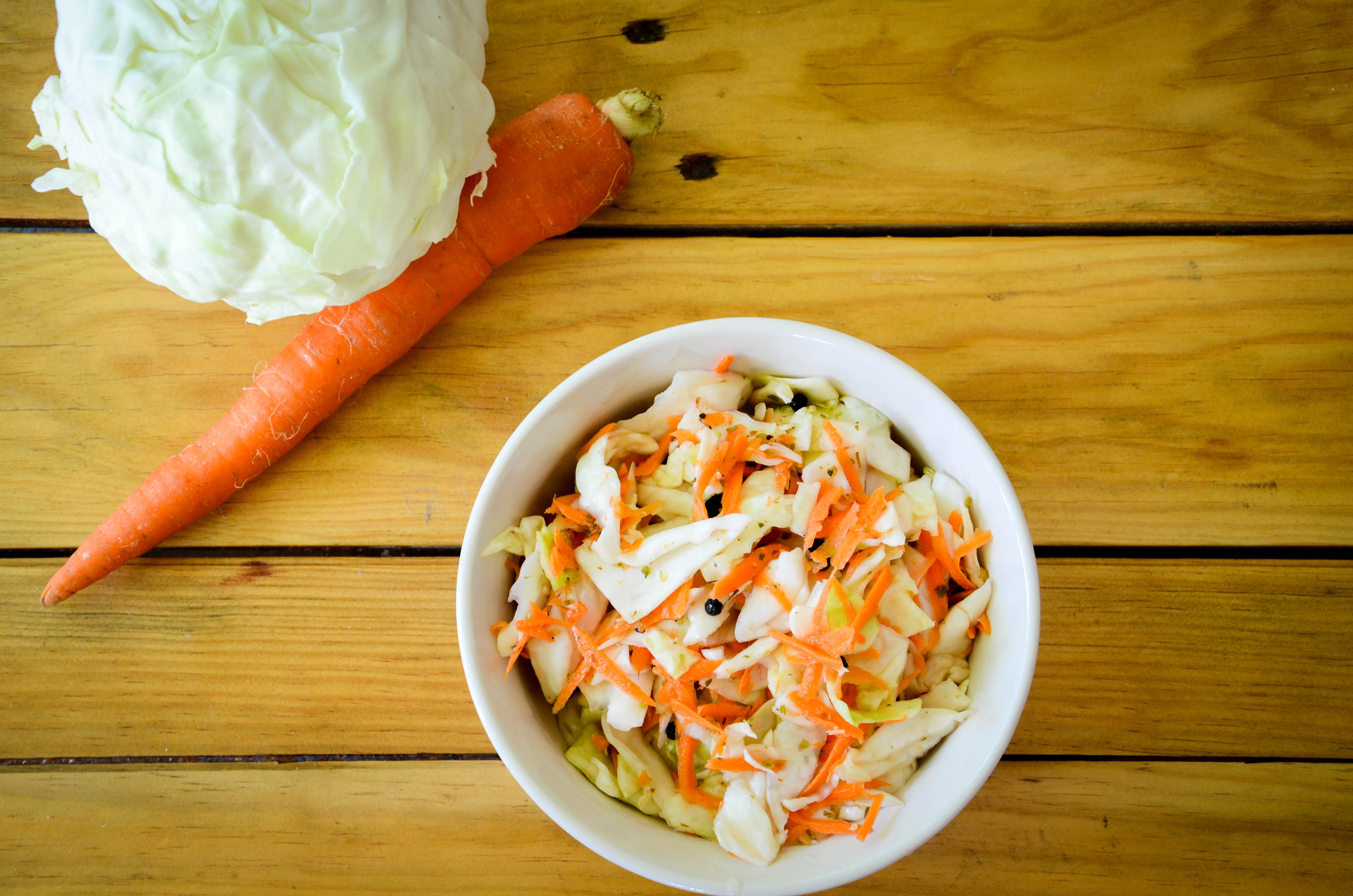 encurtido de repollo y zanahorias - Brighter Bites